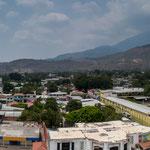 """...im Hintergrund der fast """"unsichtbare"""" Chichotepec >2.000 m...."""
