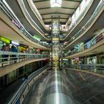 ...moderne Kaufhäuser...