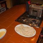 Hier werden die Wiener Schnitzel vorbereitet....