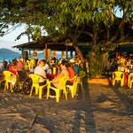 ...und das toll gelegene Restaurant direkt am Strand...
