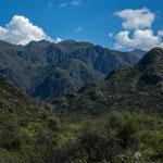 Wild zerklüftete Berge...