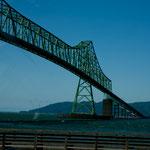"""Auch diese Brücke über den riesigen """"Columbia River"""" ist beeindruckend"""