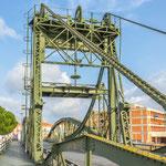 ...und eine mittelalterliche Zugbrücke...