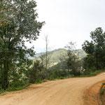 """Unser Weg durch die """"Sierra Norte"""" - Schotterstrasse aber gut befahrbar...."""