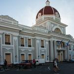Das Rathaus von Cienfuego - nicht schlecht wie die Kommunisten regieren