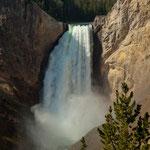 """Der """"Lower Falls"""" mit 94 m Fallhöhe"""