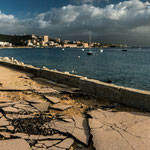 Auch die Uferpromenade teilweise zerstört