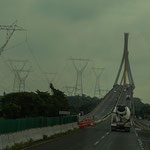 "Futuristische Brücke über den ""Rio Mezcalapa""...."