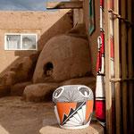 Keramikgefäße und Holzofenbrote werden den Besuchern verkauft
