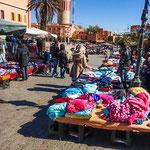 ...Ouarzazate hat einen großen Markt...