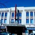 """Das """"KiMo Theatre"""" im Baustil von 1920"""