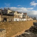 Die Stadtmauer existiert nur noch auf der Wasserseite