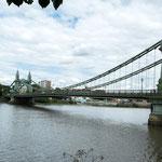 ...die tolle alte Hammersmith Bridge...