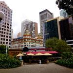 Sydney Downtown mit einem alten erhabenen Gebäude