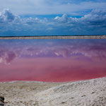 ....warum diese Lagune so rot ist konnten wir nicht erfahren.....
