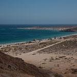 Blick von oben auf den Playa Tecolote.....