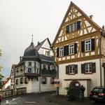 Bodenheim hat einige sehr schöne Fachwerkhäuser...