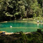 .....die tollen Badeteiche mit warmen grünen Wasser.....
