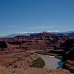 der Colorado fließt gemächlich dahin