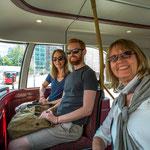...Londoner Linienbusse bieten mehr als nur den Transport...