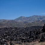 Vor noch nicht allzu langer Zeit wurde diese Lava ausgespuckt - direkt an MEX 15