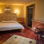 ....und die freundlichen Zimmer teilweise antiken Boden....