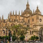 ...zeigt aber auch die masslose Protzsucht der damaligen spanisch-katholischen Kirche...