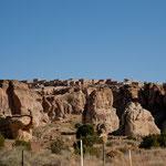 """Sun City"" liegt115 m hoch über dem Tal - man muss 2mal hinsehen um es zu entdecken"
