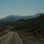 Die Strecke von Rosarito nach Loreto ist sehr gebirgig.....