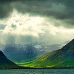Neben den grandiosen Landschaften beeindruckt Island durch seine schnell wechselnden Lichtverhältnisse...