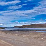 ...dieser mächtige Fluss entspringt direkt dem riesigen Vatnajökull-Gletscher...