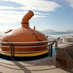 """Denkmal für die Brauerei """"Pacifico Cerveca"""" gegründet 1900 von einem Deutschen (Claussen)"""