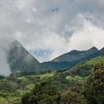 ....die zerklüfteten Gipfel des Vulkan Baru......