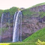 Noch nie in unserem Leben haben wir so viele Wasserfälle in so kurzer Zeit gesehen...