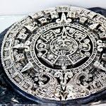 alles in purem Silber: der aztekische Kalender.....