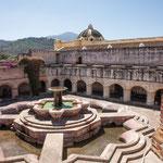 ....und dem größten Brunnen Centralamerikas....