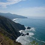 Die steile und schroffen Küste von Michoacan
