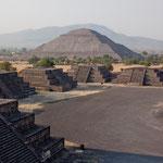 Sonnenpyramide und Strasse der Toten
