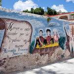 Daneben bietet Teposcolula viele Wandmalereien.....