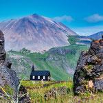 ...die älteste Holzkirche Islands...
