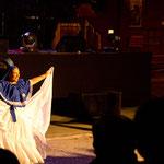 ...diese Gruppe zeigte südamerikanische Folklore...
