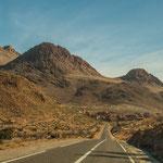 Die Berge entlang dieser Route ragen bis zu 2500m auf...