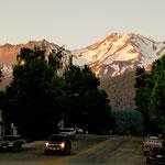 Blick auf den Shasta vom Ort Shasta