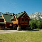 eine wunderschöne Lodge in den Bergen von Fernie