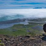 Ein tolles Phänomen in Island: Die Wolken sind oft unter einem. Und es bilden sich spezielle Wolkenbänder die wie ein weißer Schal aussehen