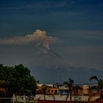 """Der rauchende """"Popocatépetl"""" - 5.465 m - bei Sonnenaufgang....."""