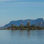 der riesige Fährhafen - aber die Insel wir auch zum größten Teil mit dem Schiff versorgt