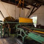 ....diese Maschinen trennt Fasern von Fruchtfleisch automatisch.....