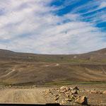 Dieses riesige Lavafeld erinnert sehr an die Afrikanische Wüste...