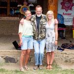 Steve mit zwei belgischen Voluntären - die hier 4-5 Monate mithelfen